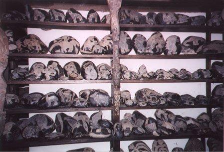 Ica_stones shelves